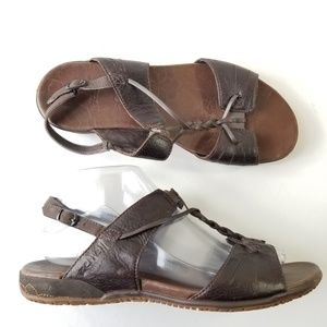 Merrell size 8 leather micca sandals